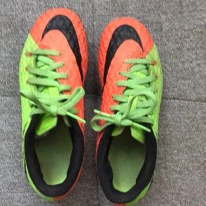 NIKE Hypervenom boy's soccer cleats